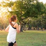Cuidados para la piel de las mujeres corredoras después de un verano intenso